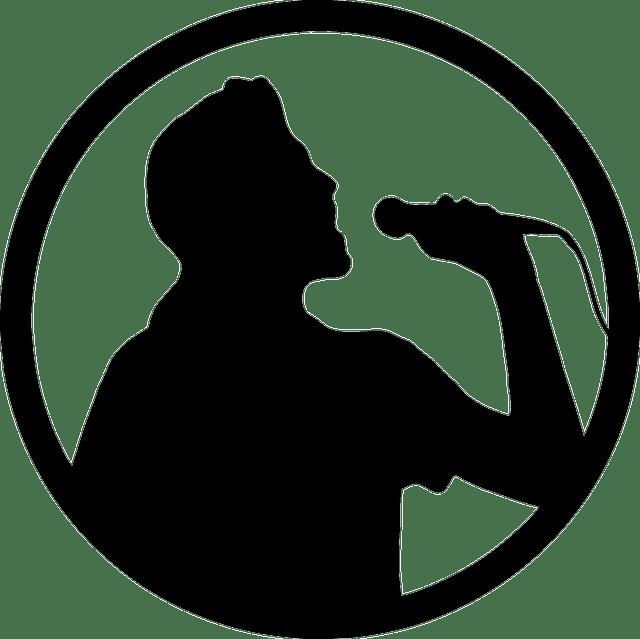 karaoke 160752 640 - אם אני שר טוב קריוקי: שווה ללכת לפיתוח קול?